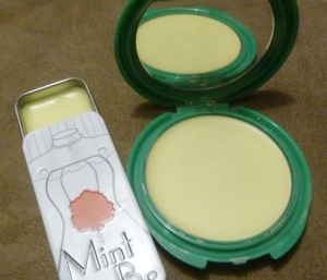 Finished solid perfume